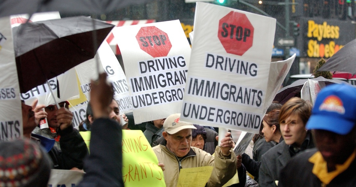 Illinois Governor Pat Quinn signed a law that grants drivers licenses to hundreds of thousands of undocumented immigrants.</p>