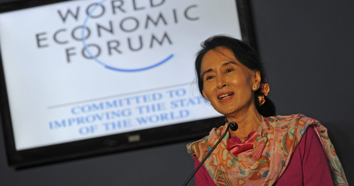 Myanmar democracy leader Aung San Suu Kyi speaks at a press conference during the World Economic Forum on East Asia at the Myanmar International Convention Center in Naypyidaw on June 6, 2013.  Aung San Suu Kyi on June 6 declared her intention to run for president, calling for all of the country's people to share the fruits of its dramatic reforms.       AFP PHOTO / Soe Than WIN        (Photo credit should read Soe Than WIN/AFP/Getty Images)</p>