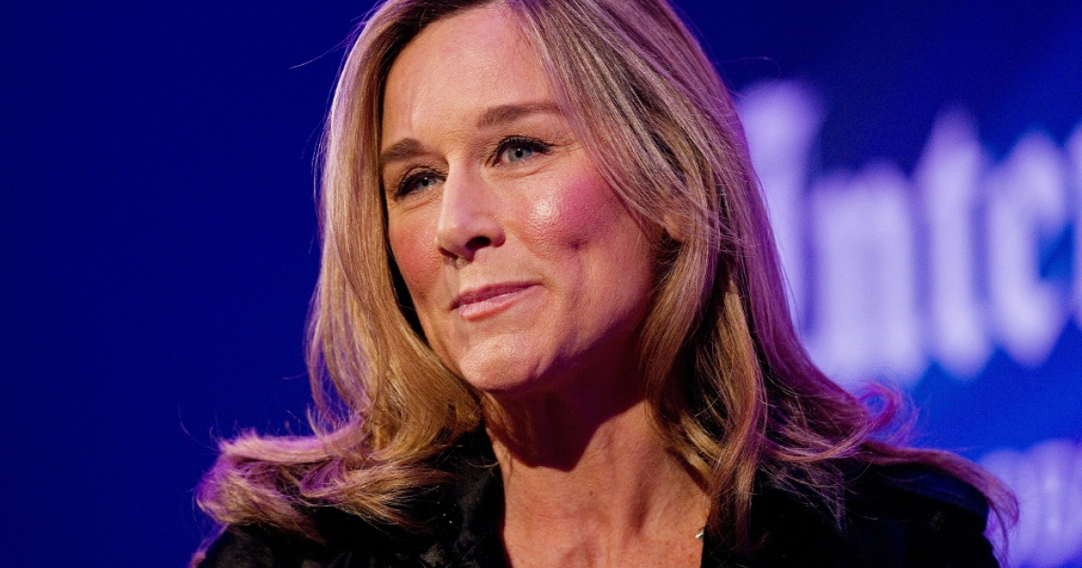 Burberry CEO Angela Ahrendts addresses delegates during a 'Heritage Luxury' conference in central London on November 9, 2010.</p>