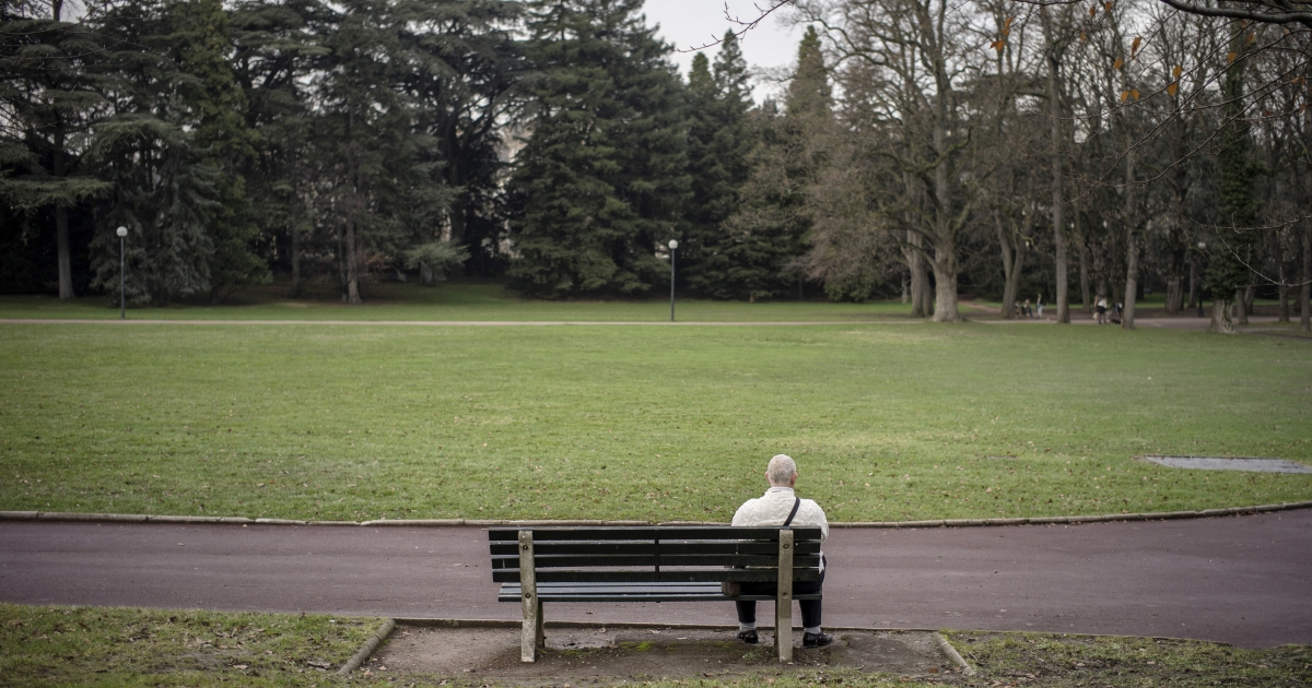 Social isolation in elderly people increase the risk of premature disease and death.</p>