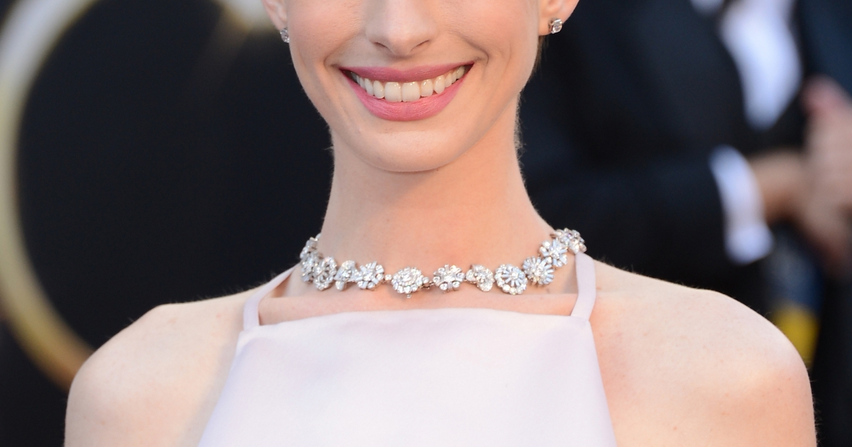 Actress Anne Hathaway arrives at the Oscars at Hollywood &amp; Highland Center on February 24, 2013 in Hollywood, California.</p>