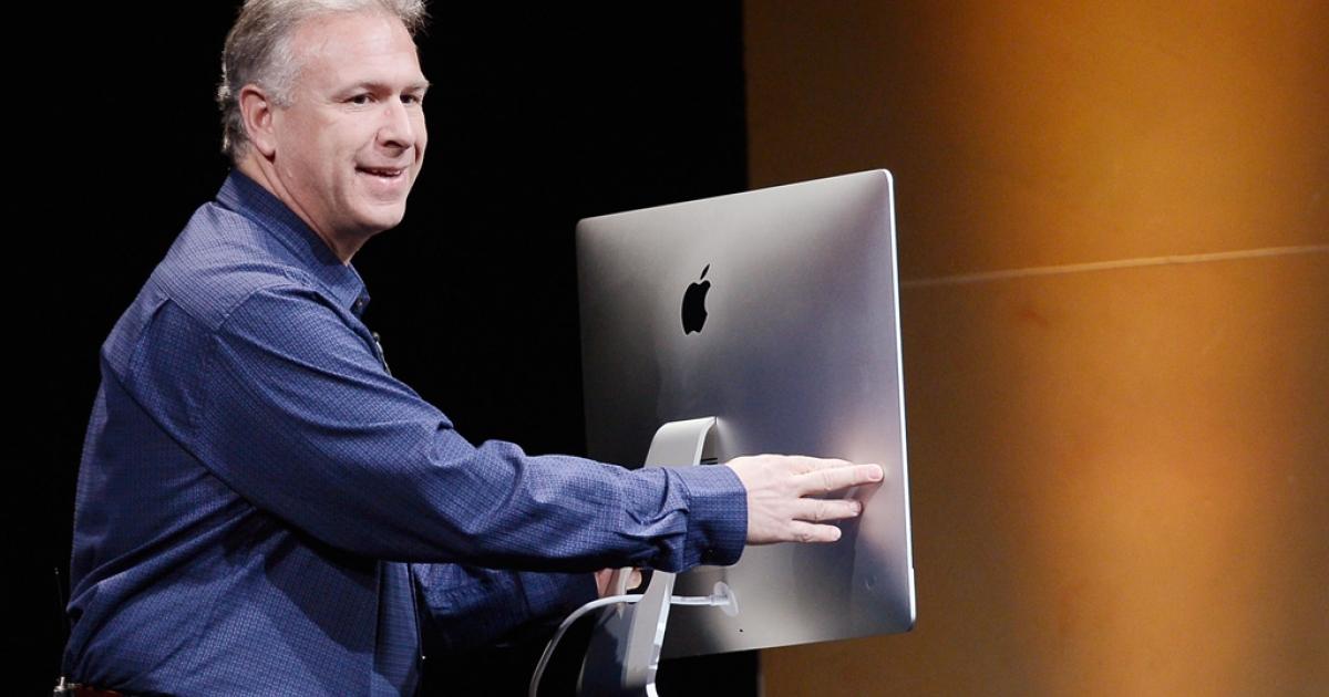 Apple senior vice president Phil Schiller reveals the company's new iMac computer on October 23, 2012 in San Jose, California.</p>