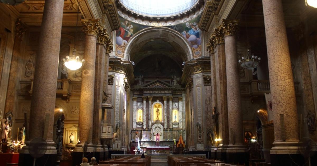 The inside of the Basilica San Jose, Flores.</p>