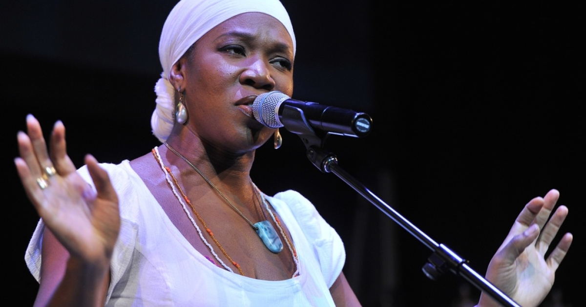 Singer India Arie performs Lupus Foundation of America Butterfly Gala 2012 at Gotham Hall on October 18, 2012 in New York City.</p>
