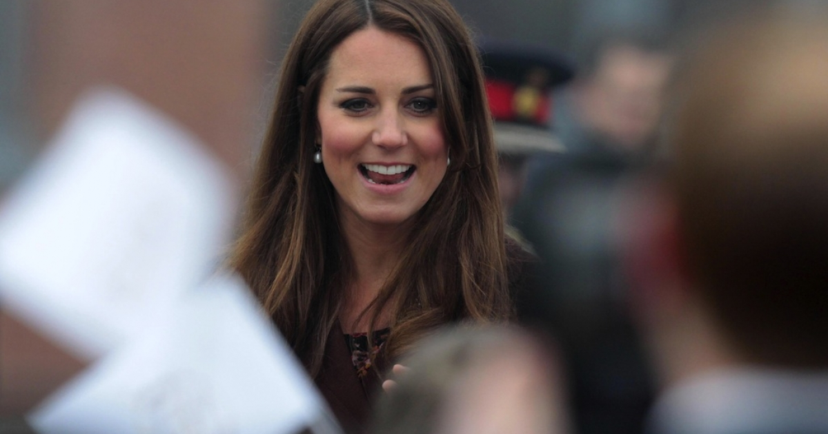 More than 1,000 people turned out to greet the Duchess of Cambridge during her visit to Grimsby in northern England on Tuesday.</p>