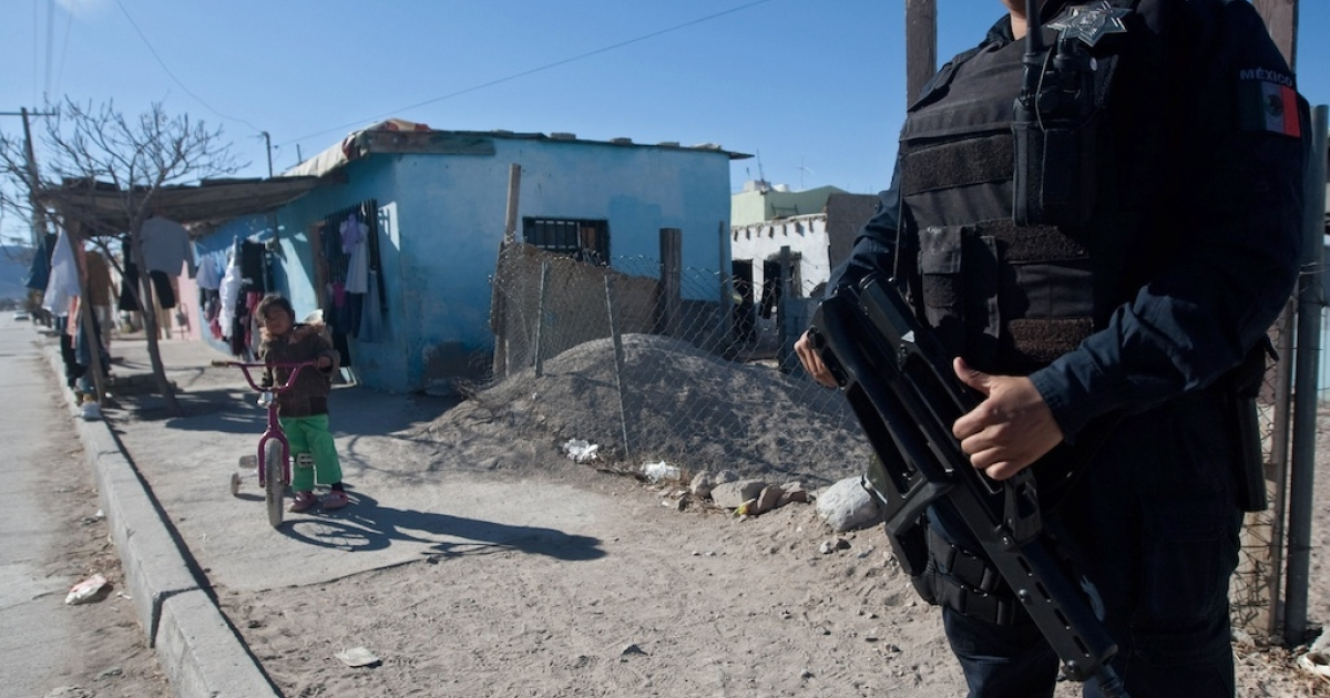 A police officer takes part in a security operation in Ciudad Juarez, a city in the northern state of Chihuahua, on February 13.</p>