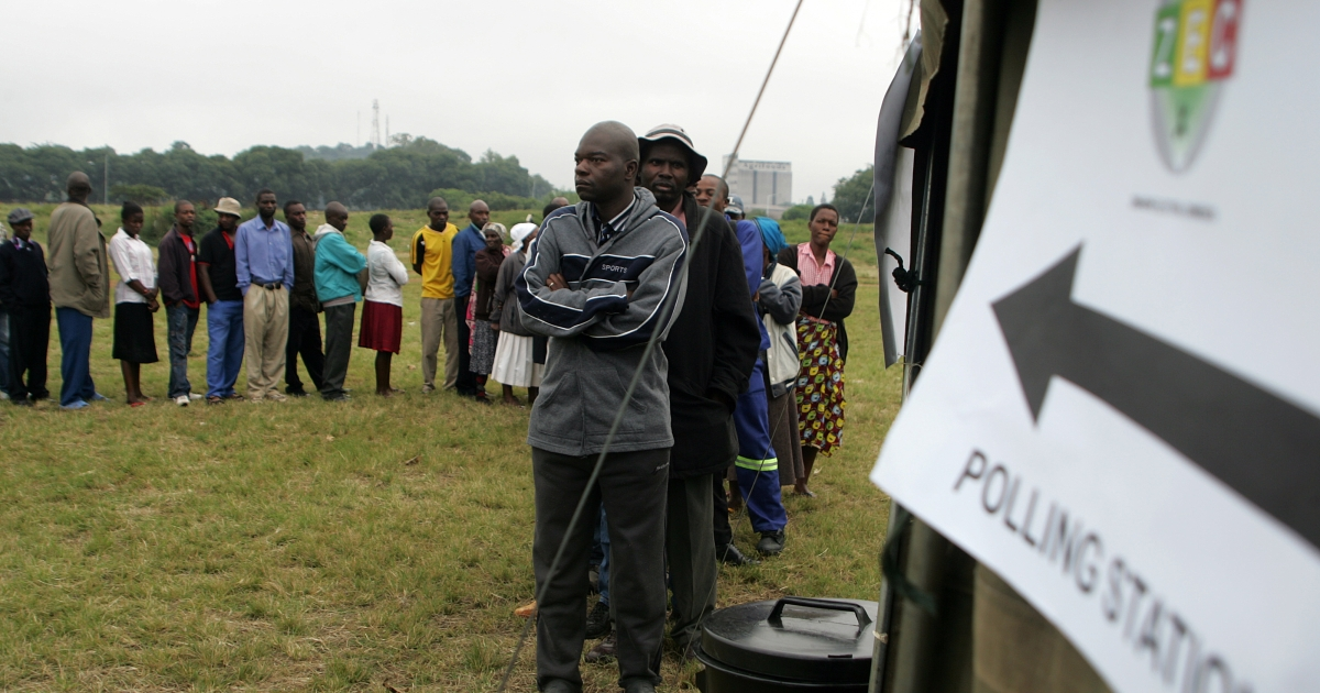 Zimbabweans turn out in their numbers to vote in the constitutional referendum in Harare on March 16, 2013. President Robert Mugabe has now been ordered to hold elections by July 31, 2013.</p>