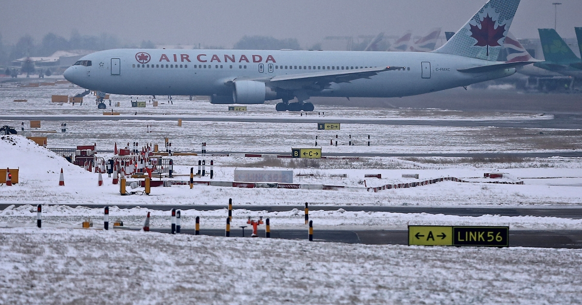 An Ottawa couple is suing Air Canada for thousands of dollars after the carrier allegedly did not provide service in French. The Canadian Supreme Court has accepted to hear the case.</p>