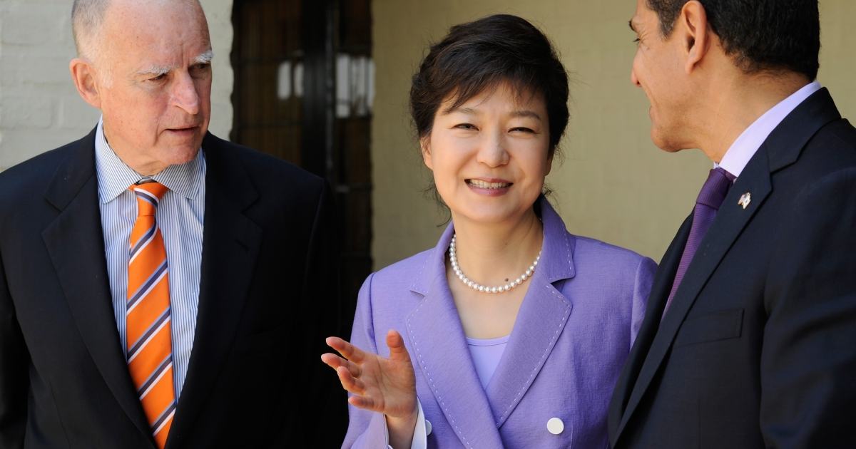 South Korean President Park Geun-hye attends a welcoming luncheon with California Governor Jerry Brown and Los Angeles Mayor Antonio Villaraigosa at Getty House on May 9, 2013 in Los Angeles, California.</p>