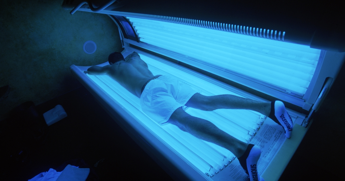 The US Food and Drug Administration has said that it wants warning labels on all promotional materials related to indoor tanning.</p>
