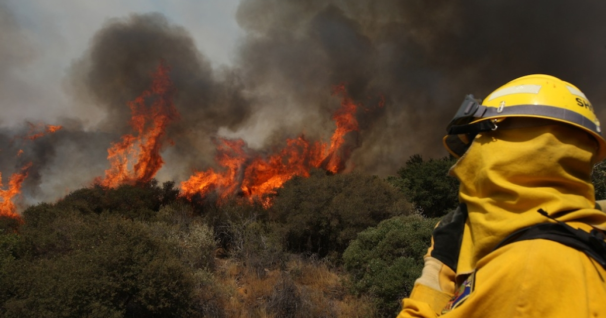 Residents near Banning in Southern California have been evacuated as a fast-moving wildfire continues to grow.</p>