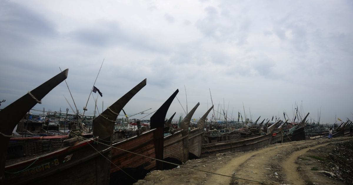 Fishing boats tied up in the harbour of Chittagong on May 15, 2013 during preparations for the expected arrival of Cyclone Mahasen.</p>