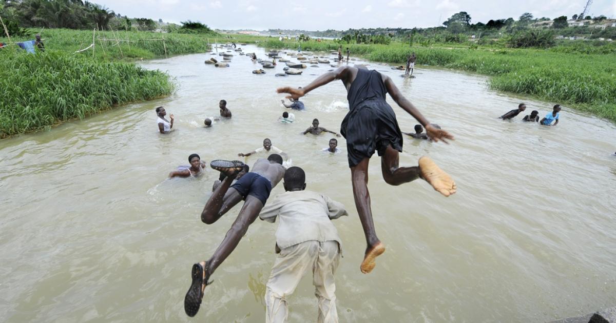 Ebrie laguna in Abidjan, Ivory Coast, April 15, 2011.</p>