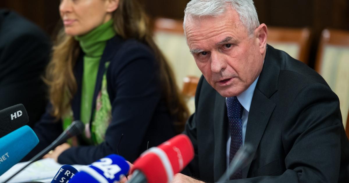 Slovenia's central bank governor Marko Kranjec speaks during a press conference in Ljubljana, on Apr. 2, 2013.</p>