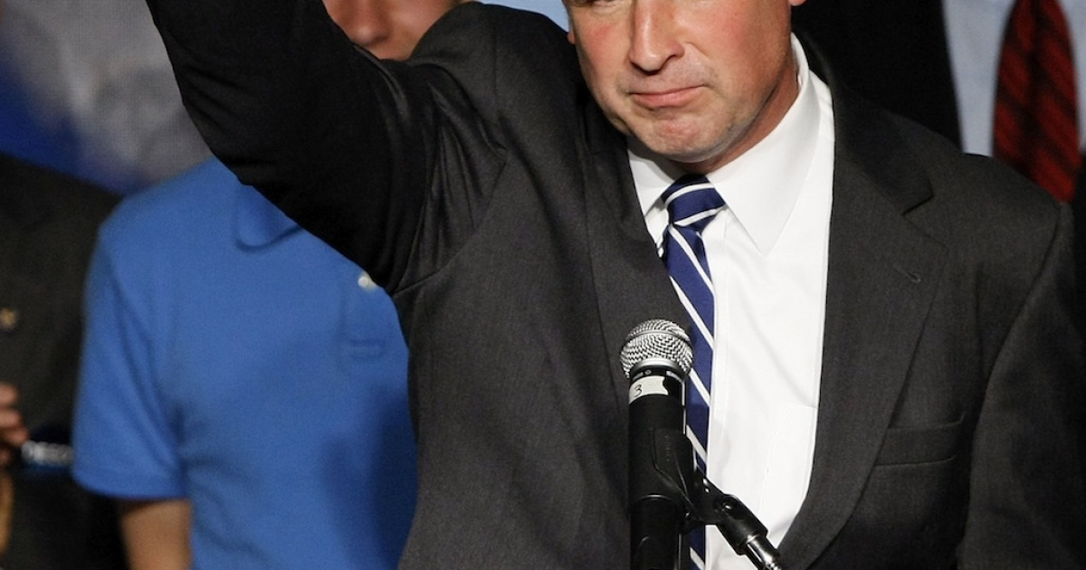 Democratic gubernatorial candidate Creigh Deeds waves farewell after addressing supporters gathered on election night November 3, 2009 in Richmond, Virginia.</p>