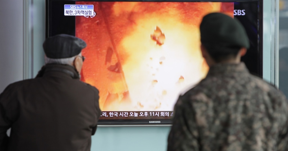 People watch a television broadcast reporting the North Korea's nuclear test at the Seoul Railway station on February 12, 2013 in Seoul, South Korea. North Korea confirmed it had successfully carried out an underground nuclear test, as a shallow earthquake with a magnitude of 4.9 was detected by several international monitoring agencies.</p>