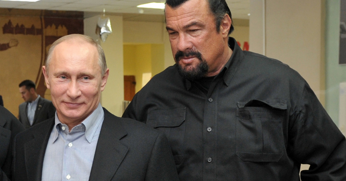 Russia's President Vladimir Putin and American action movie actor Steven Seagal visit a newly-built sports complex in Moscow.</p>