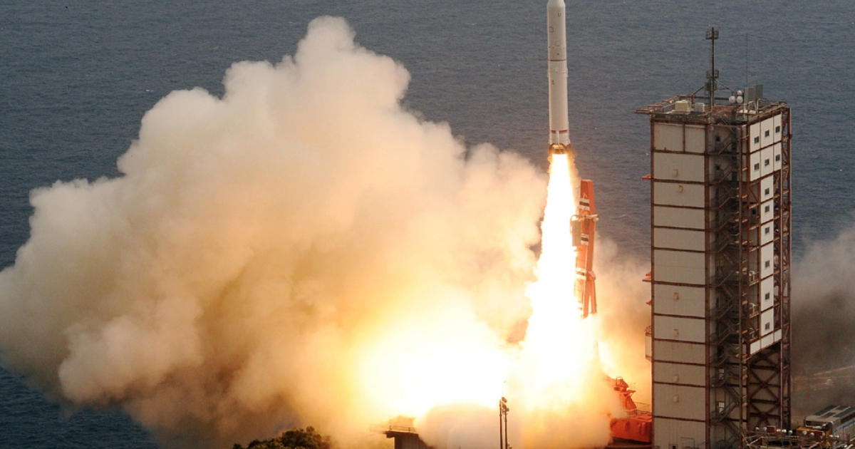 Japan's new solid-fuel rocket lifts off from the launch pad at the Japan Aerospace Exploration Agency's (JAXA) Uchinoura Space Center in Kimotsuki, Kagoshima prefecture, on Japan's southern island of Kyushu on Sept. 14, 2013.</p>