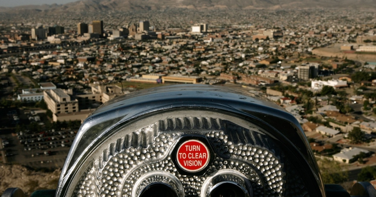 Ciudad Juarez and El Paso as seen from the Franklin Mountains.</p>