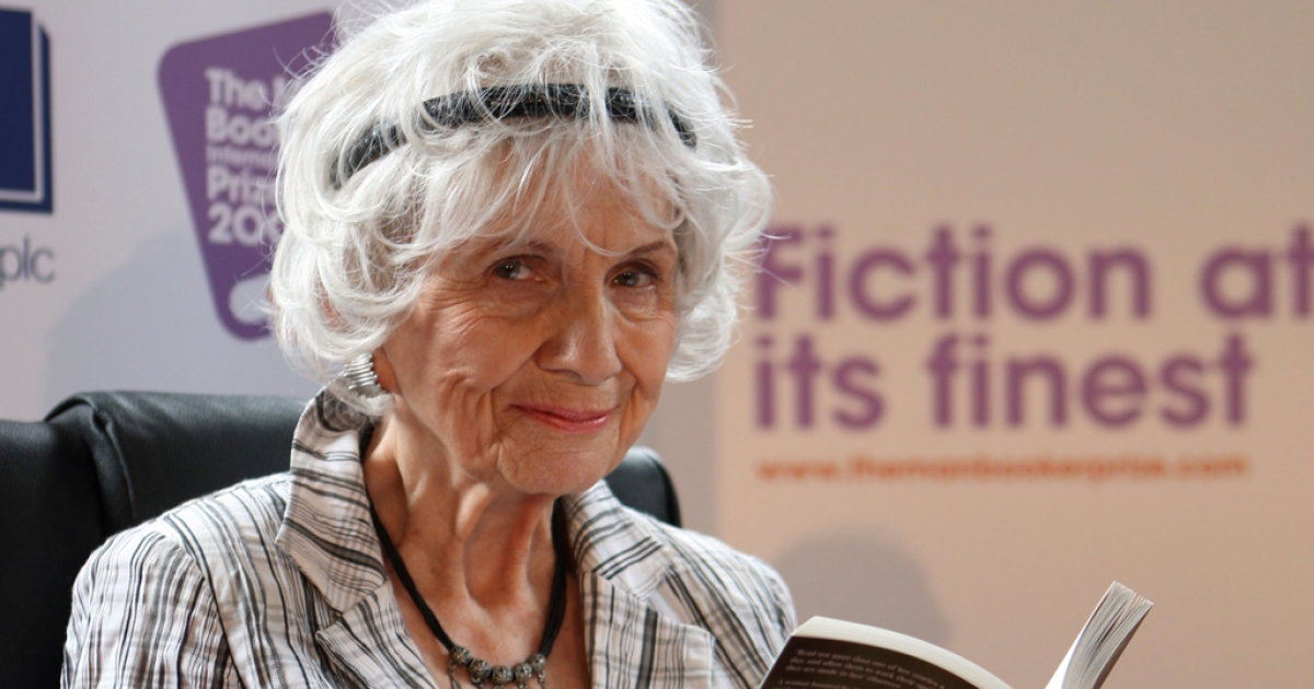 Canadian author Alice Munro holds one of her books as she receives her Man Booker International award at Trinity College Dublin, in Dublin, Ireland, in 2009.</p>