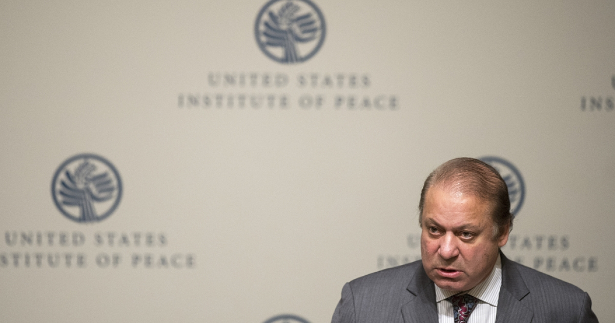 Pakistani Prime Minister Nawaz Sharif speaks at the US Institute of Peace in Washington, DC, October 22, 2013.</p>