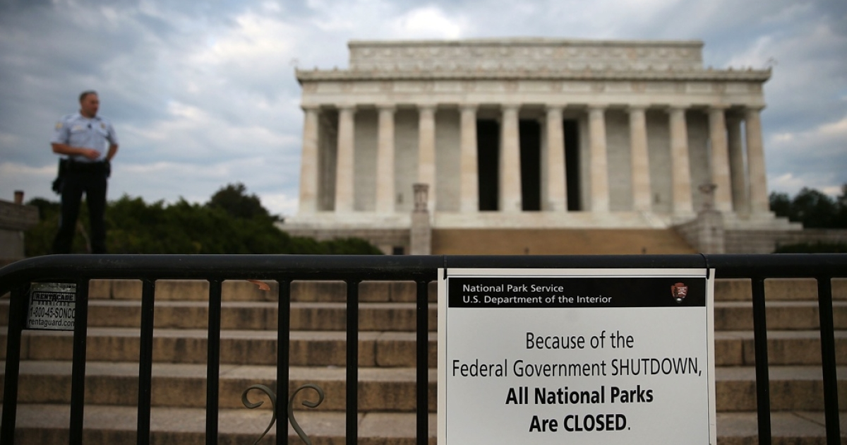 Lincoln Memorial, closed for congressional gridlock.</p>