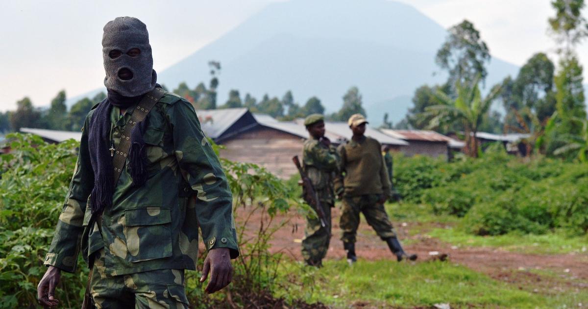Democratic Republic of Congo (FARDC) soldiers are pictured near Kibati, near Goma on September 4, 2013.</p>