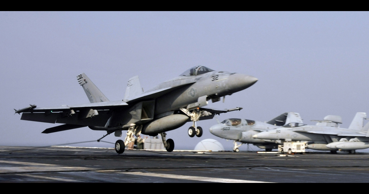 An F/A-18E Super Hornet, similar to the set of fighter jets Boeing is hoping to sell to Brazil.</p>