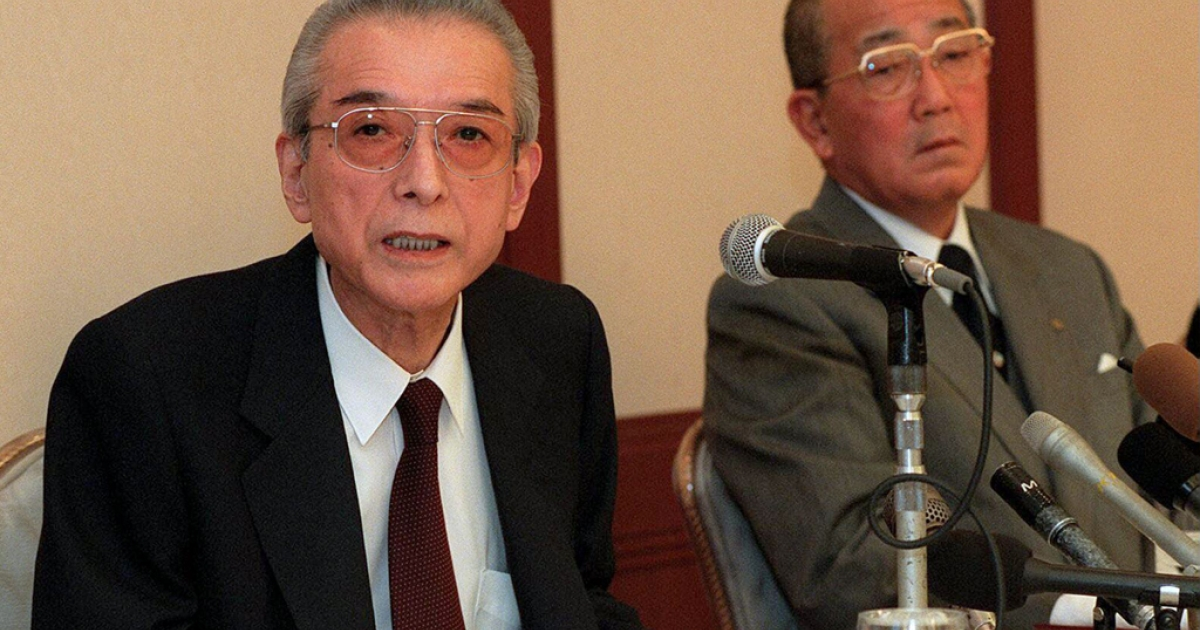 Hiroshi Yamauchi (L), credited with transforming Nintendo from a family-owned Japanese business into a global byword for video games, died September 19, 2013 at the age of 85.</p>