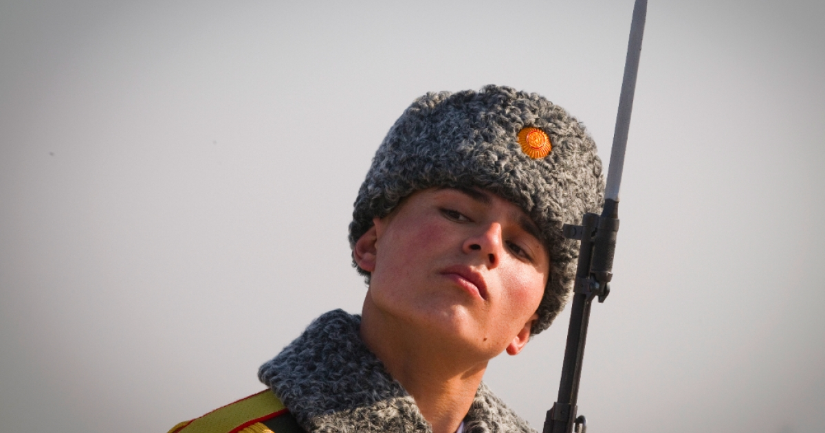A Tajik soldier is pictured at Dushanbe airport on January 1, 2012.</p>