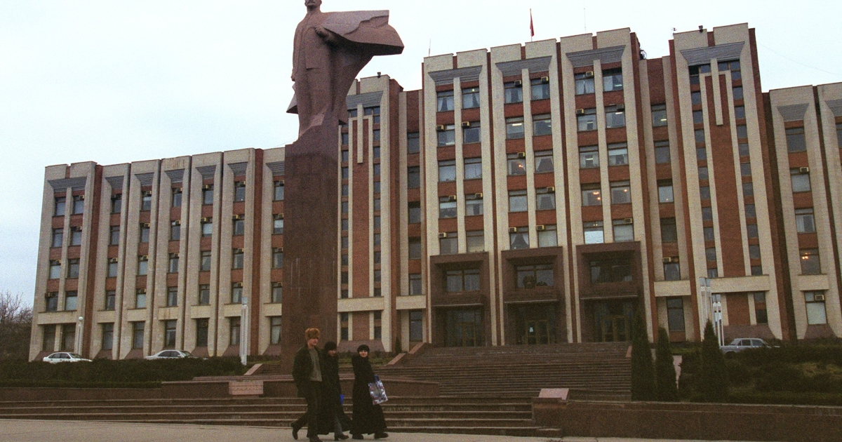 Lenin still stands tall in central Tiraspol.</p>