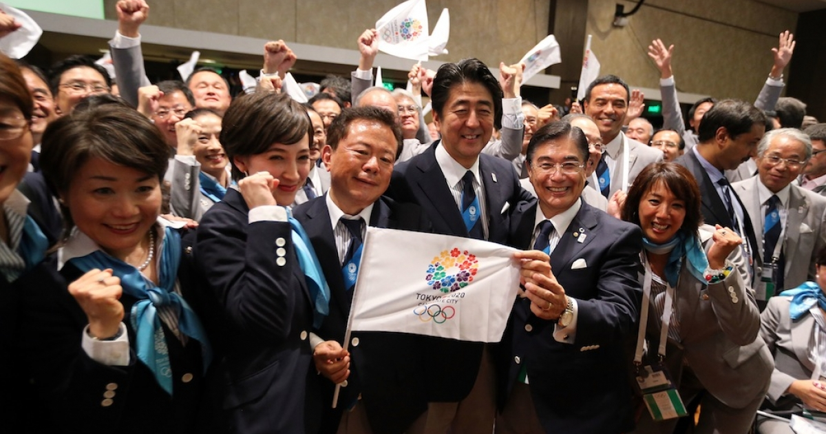 BUENOS AIRES, ARGENTINA - SEPTEMBER 07: Prime Minister of Japan Shinzo Abe (3L) celebrates with the delegation as Tokyo is awarded the 2020 Summer Olympic Games during the 125th IOC Session. Tokyo was selected over rival cities Madrid and Istanbul.</p>