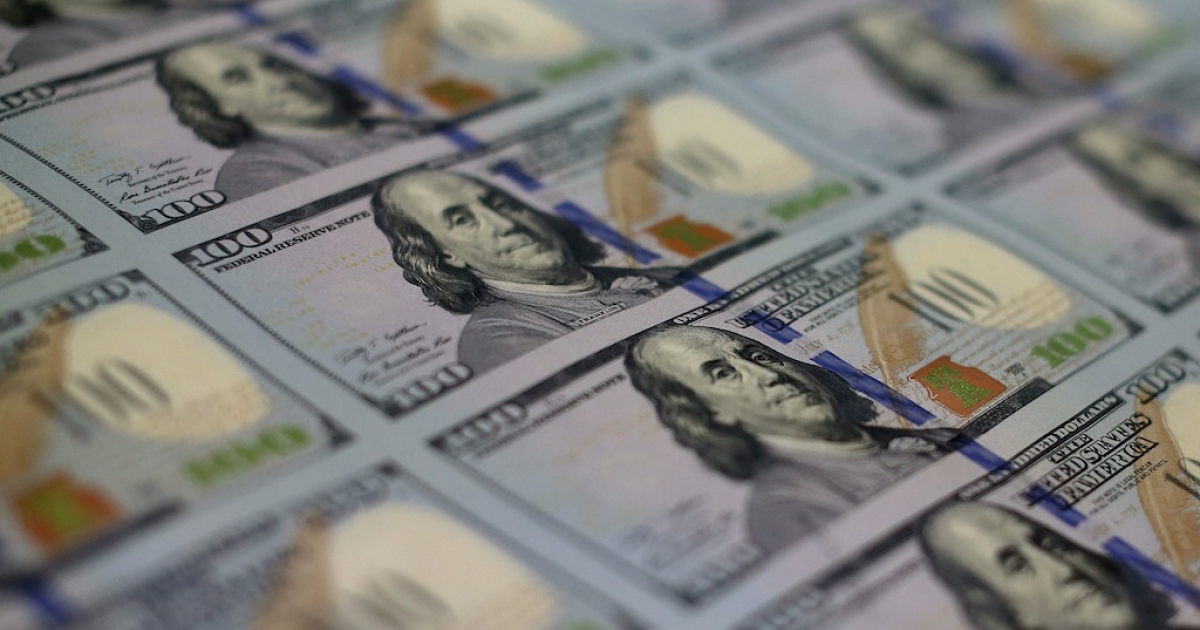 Connecticut Rabbi Noah Muroff bought a desk for less than $200 on Craigslist and found $98,000 in cash hidden behind its drawers, which he promptly returned.</p>