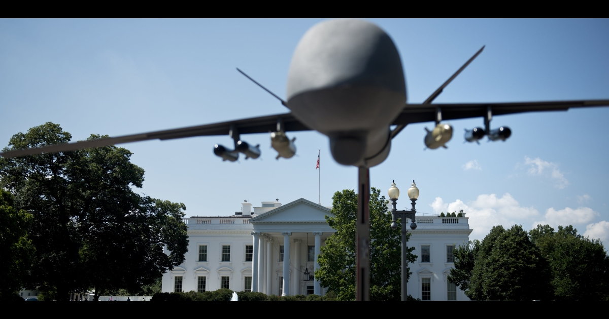 A model of a drone on Pennsylvania Avenue outside the White House.</p>
