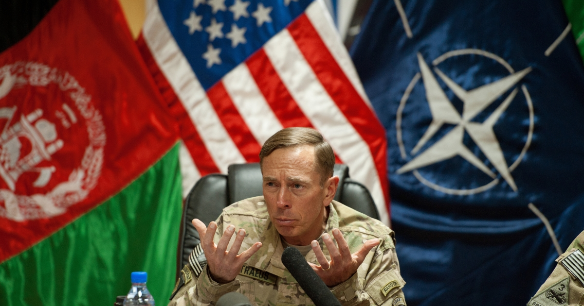 CAMP EGGERS, AFGHANISTAN: US General David Petraeus conducts a question and answer session with the media traveling with US Secretary of Defense Leon Panetta July 9, 2011, inside Camp Eggers in Kabul, Afghanistan.    AFP POOL Photo/Paul J. Richards</p>