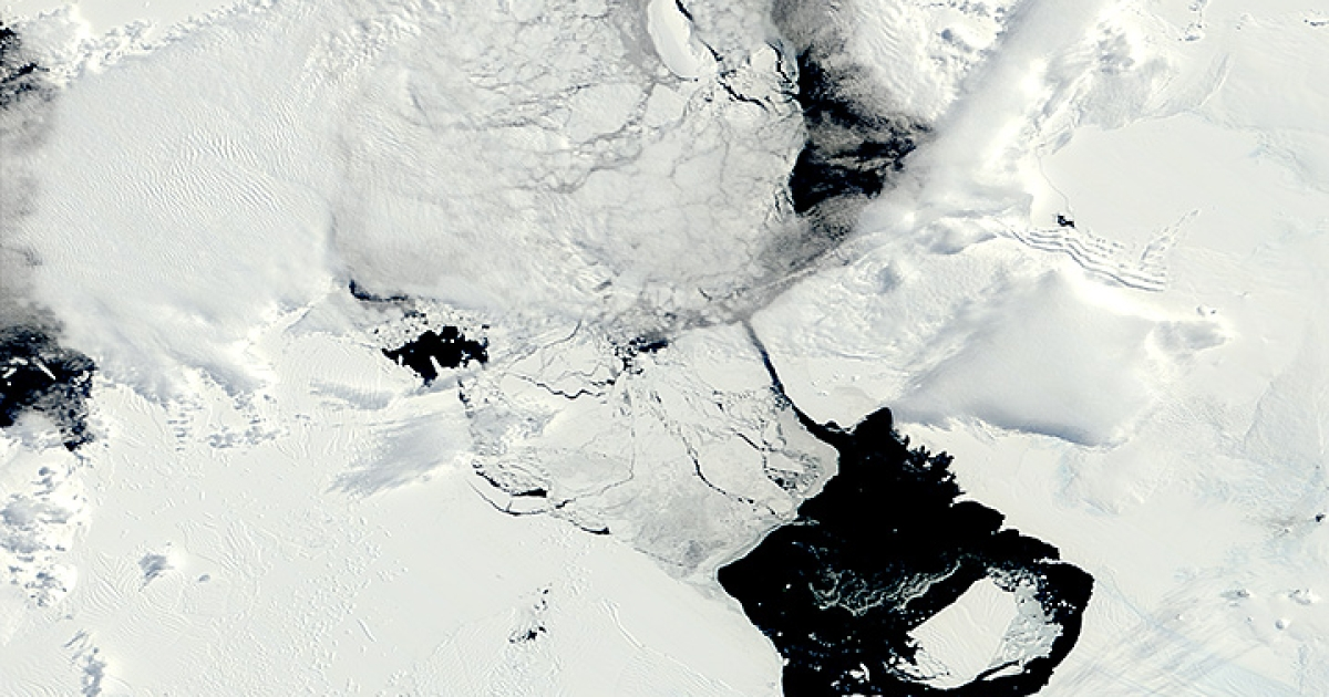 B31 is a large iceberg that calved off of Pine Island Glacier in Antarctica in November 2013. It was six times the size of Manhattan in April 2014.</p>