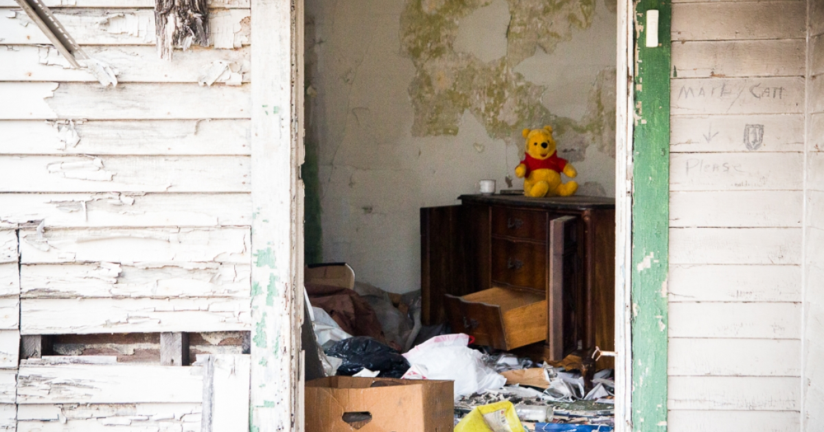 A teddy bear greets the curious inside an abandoned house in Youngstown, Ohio. A former industrial hub, Youngstown, OH is now a shadow of its former self. The young people who stay often have a hard time finding employment.</p>