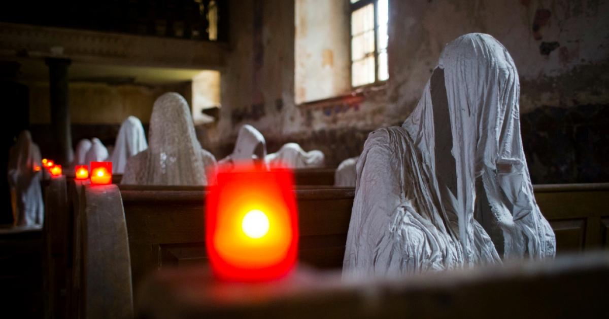 Ghost statues by artist Jakub Hadrava.</p>