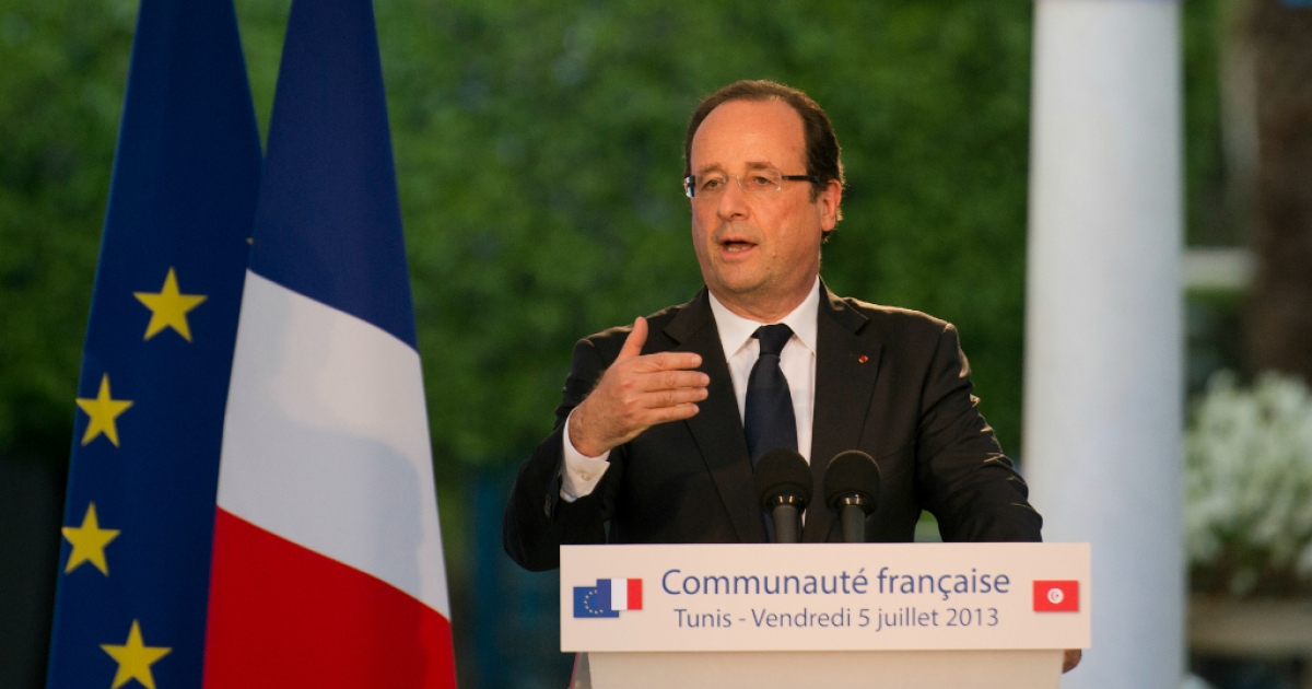 French President Francois Hollande addresses members of the French community in Tunisia, on July 5, 2013.</p>