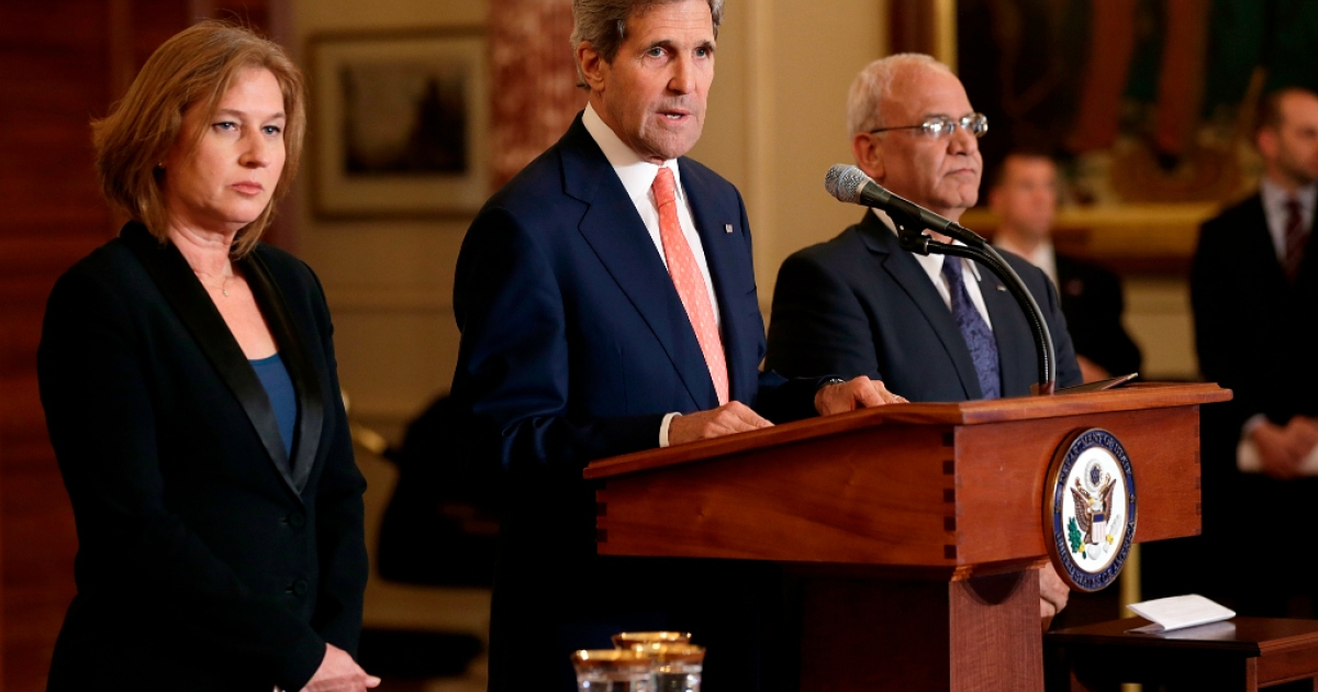 U.S. Secretary of State John Kerry (C) makes a statement with Israeli Justice Minister Tzipi Livni (L) and Palestinian chief negotiator Saeb Erekat (R) during a press conference on the Middle East Peace Process Talks at the Department of State on July 30, 2013 in Washington, DC.</p>
