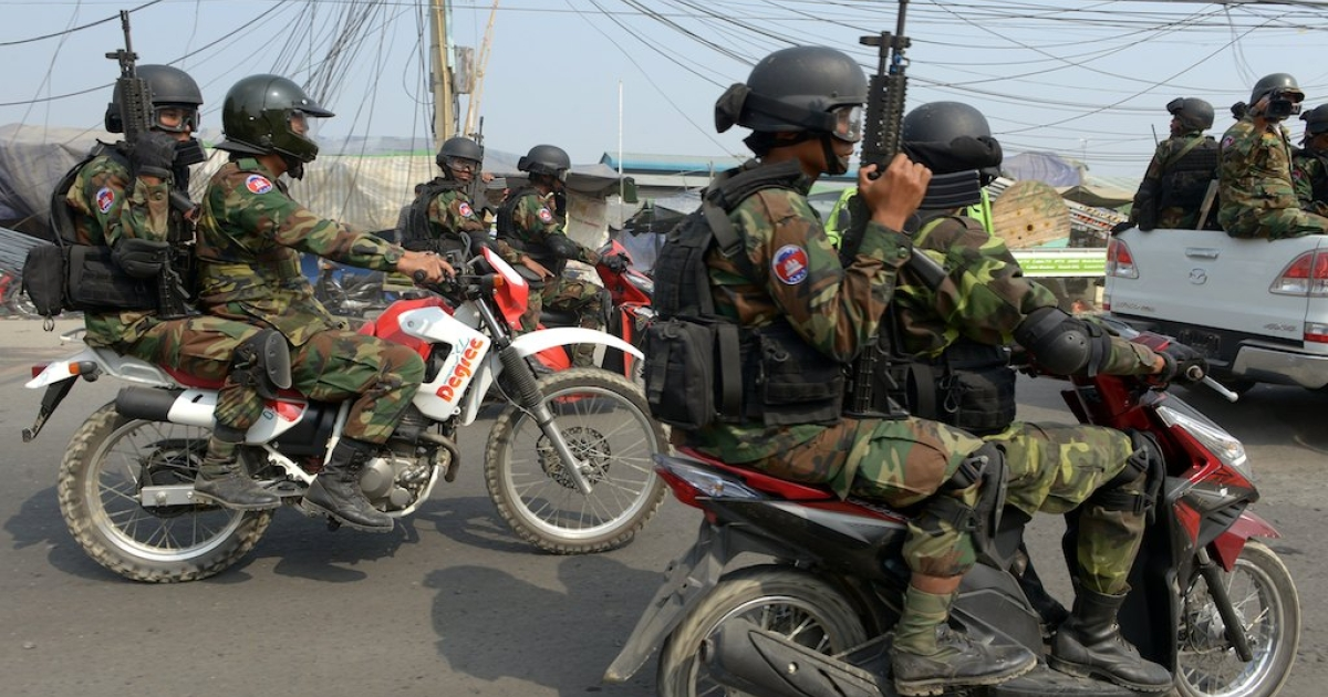 Cambodian soldiers dispersed opposition protesters from their rally base in the capital and halted further protests against the kingdom's strongman premier, on Jan. 4, 2014, a day after a deadly crackdown on striking garment workers.</p>