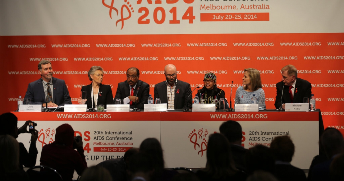 MELBOURNE, AUSTRALIA - JULY 20: (CHINA OUT) (L-R) President-Elect of the IAS Chris Beyrer, president of the IAS Francoise Barre-Sinoussi, UNAIDS Executive Director Michel Sidibe, executive Officer of Living Positive Victoria Brent Allan, Ayu Oktariani, professor Sharon Lewin and Michael Kirby attend a press conference during the 20th International AIDS Conference at The Melbourne Convention and Exhibition Centre on July 20, 2014 in Melbourne, Australia. At least six delegates travelling to the 20th International AIDS Conference were on board the Malaysia Airlines flight MH17 which was reportedly shot down over Eastern Ukraine.</p>