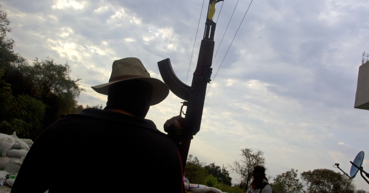 Armed residents are forming vigilante forces to fight cartels closer and closer to Mexico's US border.</p>
