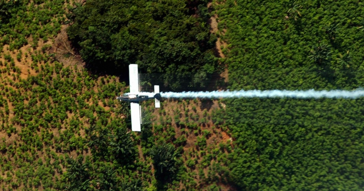 Spraying coca plants in El Catatumbo, Norte de Santander department, Colombia.</p>