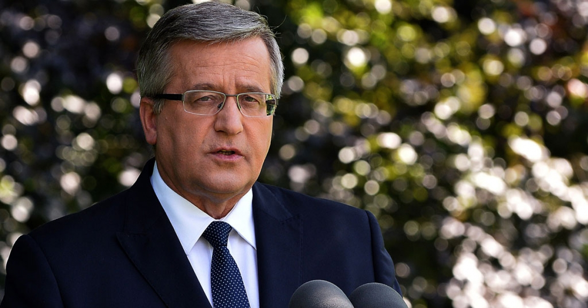 Polish President Bronislaw Komorowski delivers a statement in Warsaw on June 23, 2014 on the bugging scandal that has rocked Polish government.</p>