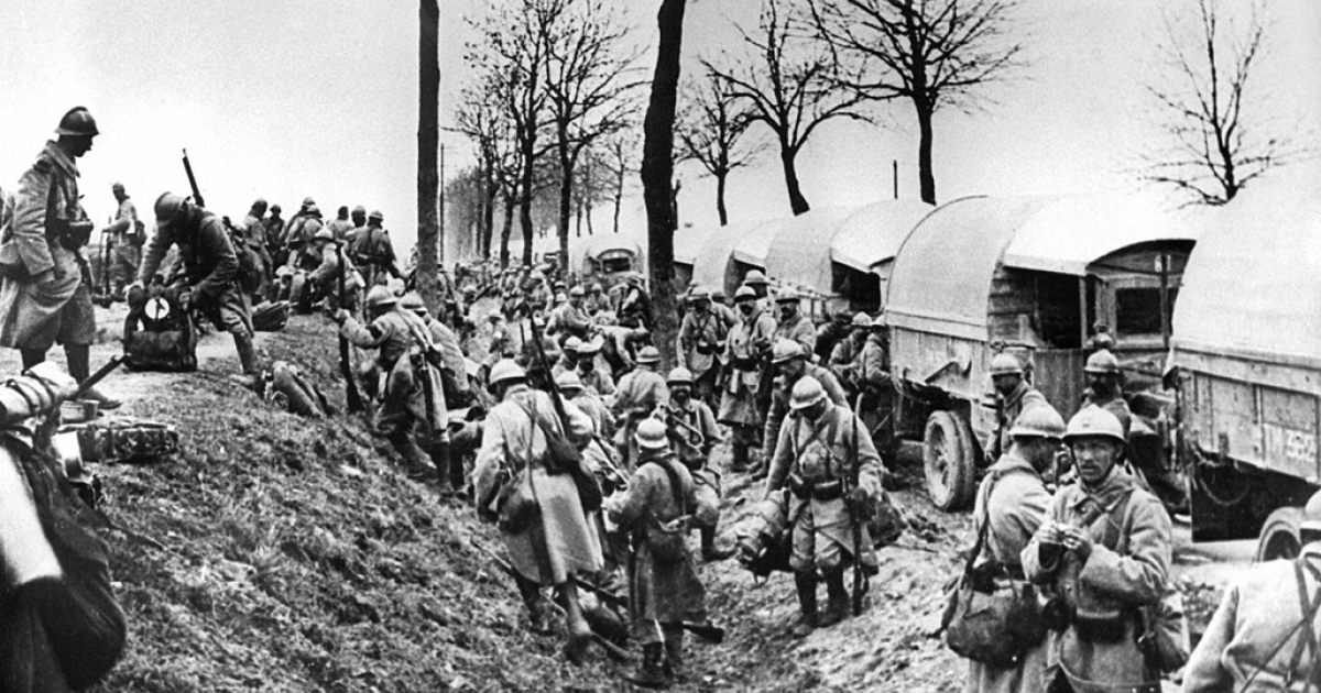 In 1916, French soldiers unload trucks near Verdun battlefield, eastern France during World War I.</p>