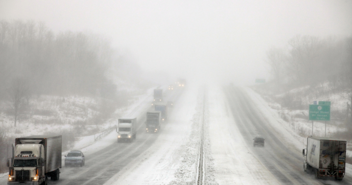 A multiple-car pileup in Maine was the latest in a series of road incidents caused by the snowstorm Nemo that has affected the northeast US and Canada.</p>