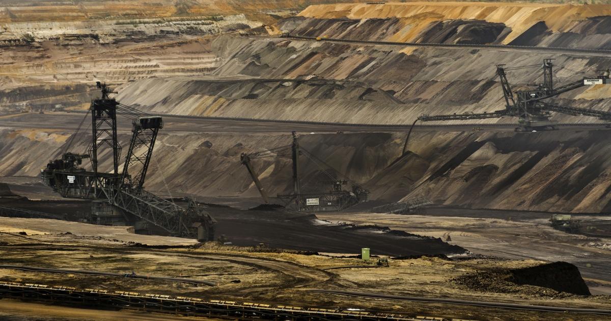 World's dirtiest fuel: A German open cast brown coal mine.</p>