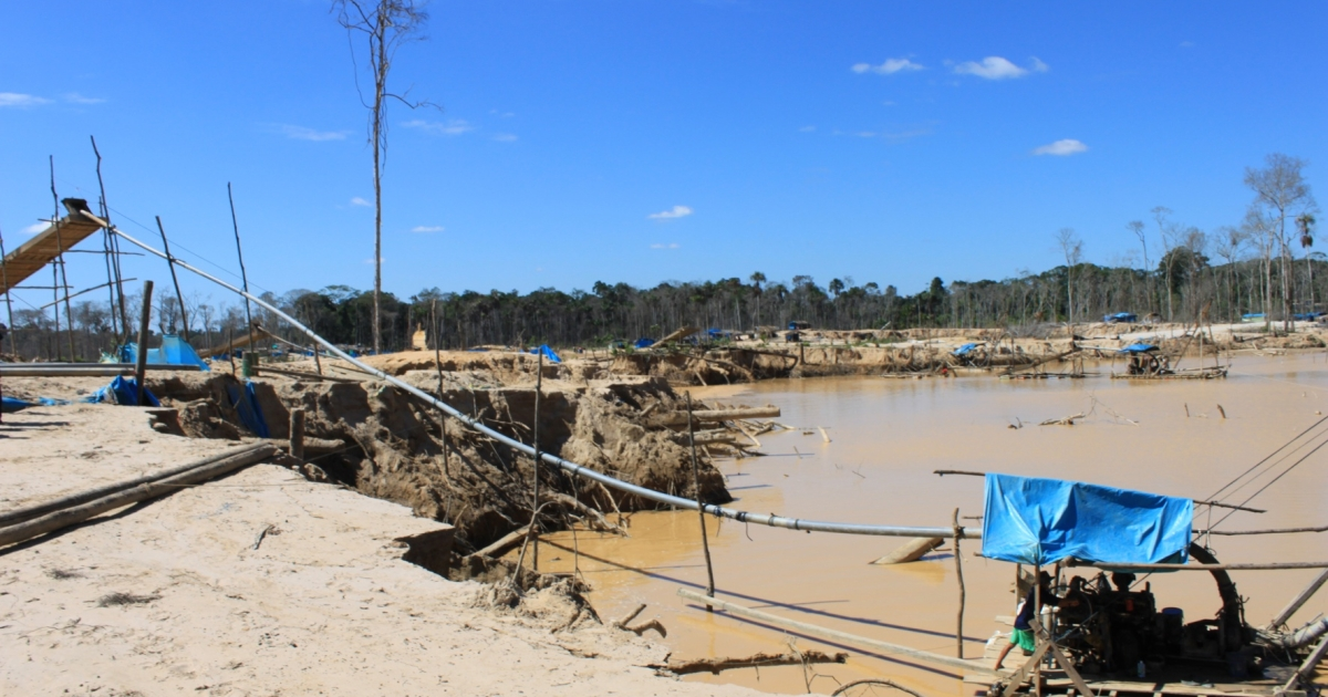 Crude mining techniques destroy the rainforest and poison the land, preventing it from growing back.</p>