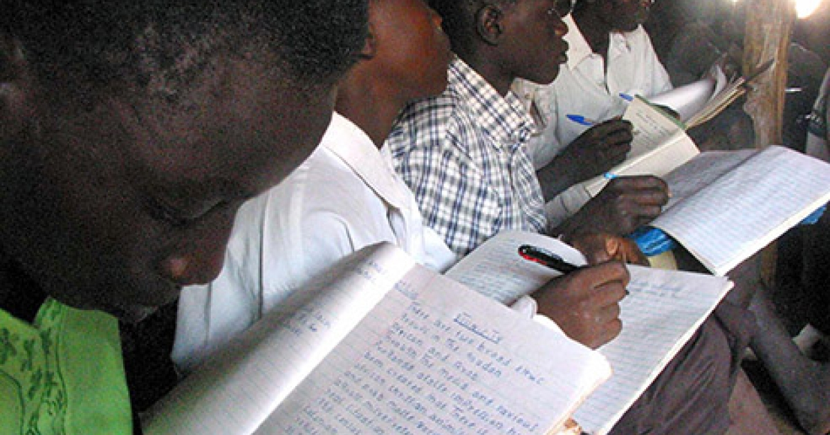 Primary school pupils in Kaudi,central Sudan's Nuba Mountains region,Nov. 28, 2003.</p>